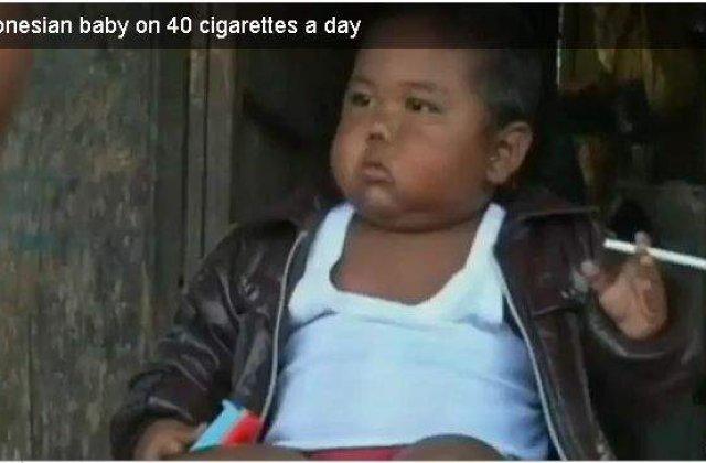 [VIDEO] Copilul de 2 ani, dependent de tigari, s-a lasat de fumat