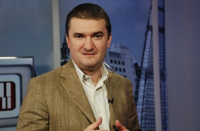 Jurnalistul Dorin Chiotea, suspendat de la Realitatea TV pentru ca a laudat transmisia Antenei 3 de la parada de 1 Decembrie