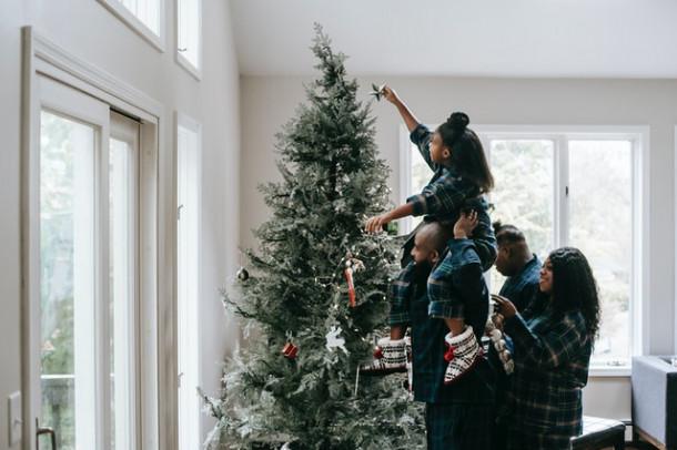 Alături de cine îți dorești să petreci Crăciunul anul acesta?
