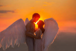 Test de iubire: Care este inițiala persoanei care îți va fi alături în 2021?